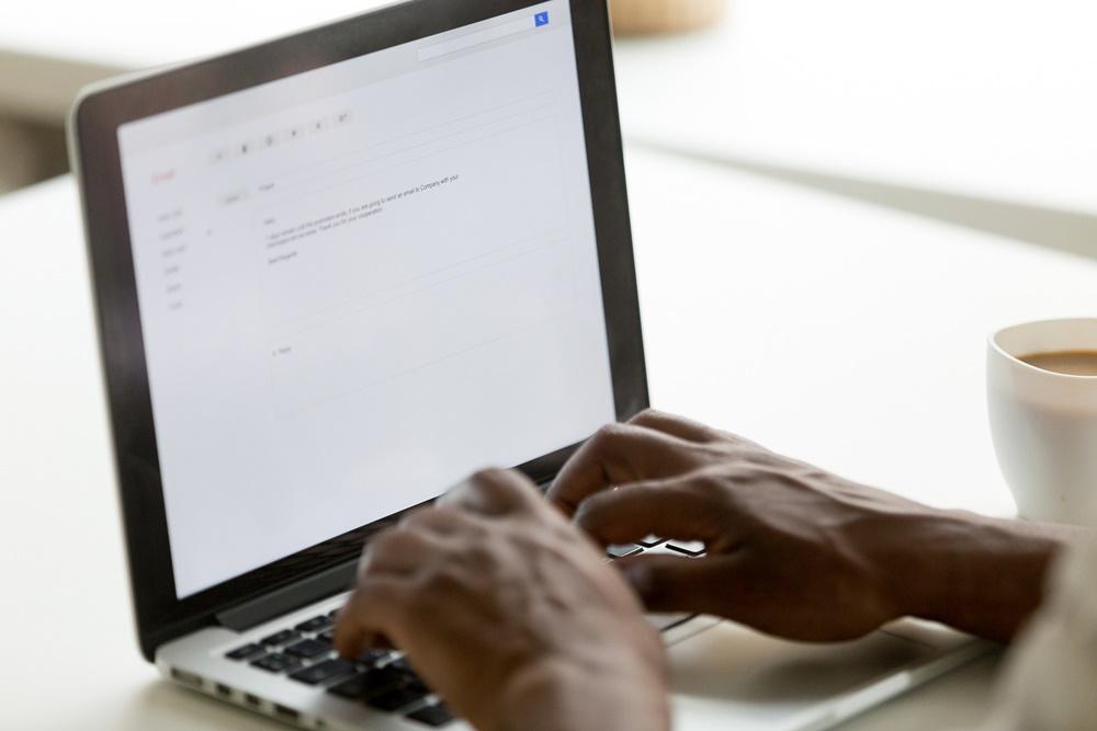 Proteja seu e-mail empresarial de spam, vírus e roubo de dados